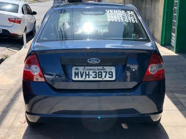 Fiesta Sedan 1.6 Flex 2005 (R$: 2.900,00 + 48 x 398,00) - Foto 5