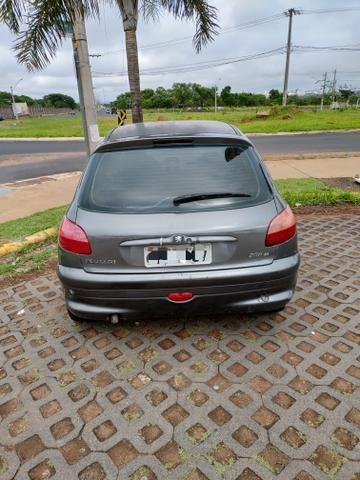 Peugeot - Foto 3