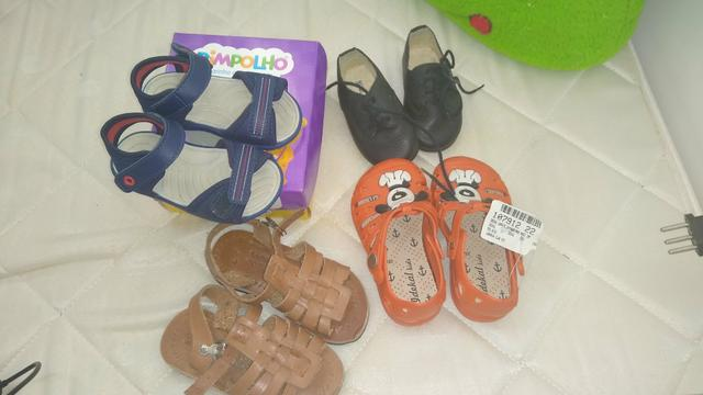 Lote de sapatos de menino - Foto 2