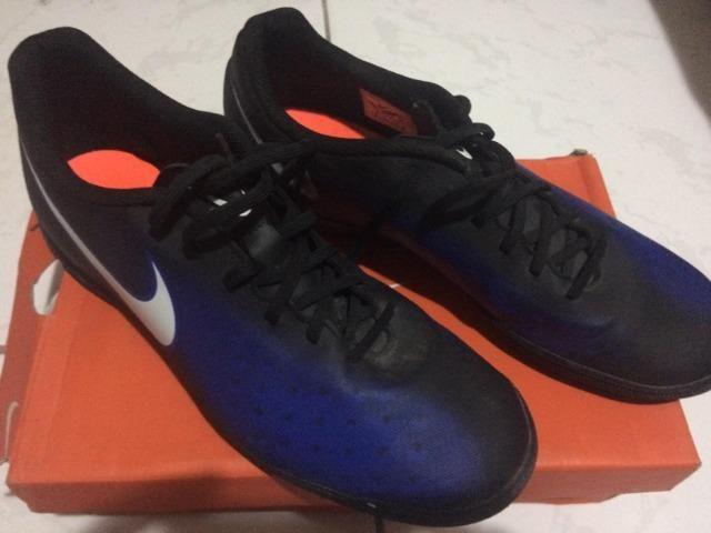 9ede379c36f3a Vendo chuteira da Nike e umbro - Esportes e ginástica - São Pedro da ...