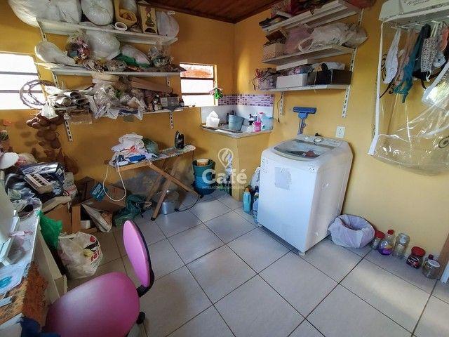 Sobrado, 5 dormitórios, 3 banheiros e sacada. - Foto 15