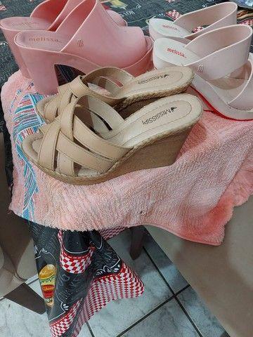 Sandálias em perfeito estado - Foto 2