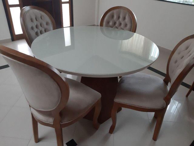 Linda -Mesa redonda + 4 cadeiras medalhão  - Foto 3