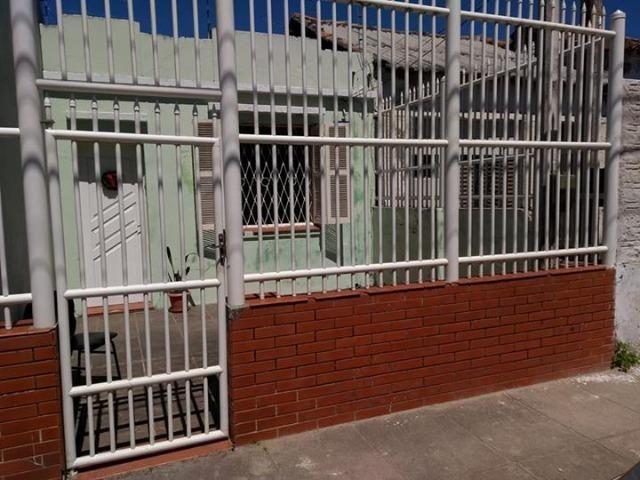 Casa na zona do Porto (rua Anchieta- Pelotas RS)