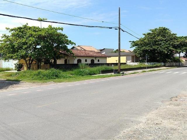 Terreno comercial de esquina em Itapoá