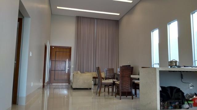 Samuel Pereira oferece: Casa 3 Suites Nova Moderna Pé Direito Duplo Piscina Churrasqueira - Foto 19