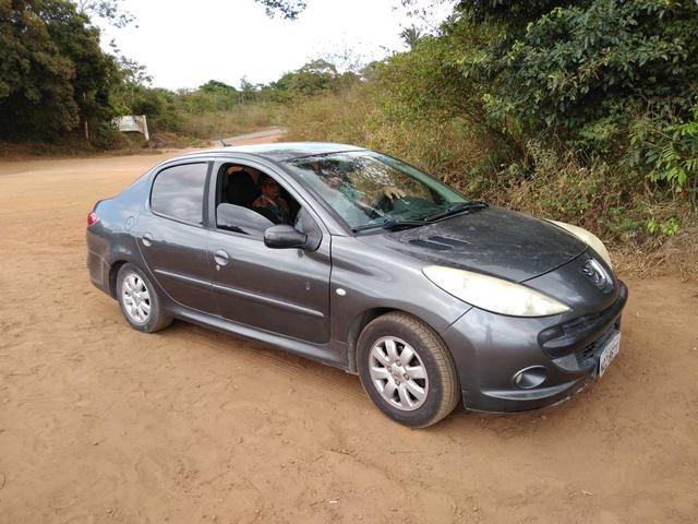 Vendo carro semi novo 2010