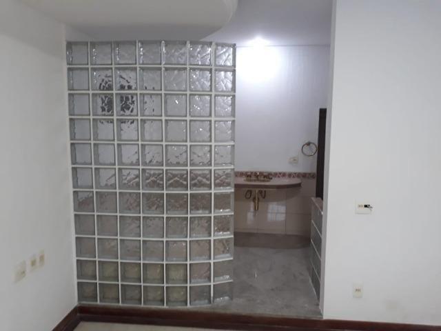 (R$600.000) Casa c/ Piscina, Terraço e Garagem Grande - Lote Inteiro no Bairro Vila Bretas - Foto 9