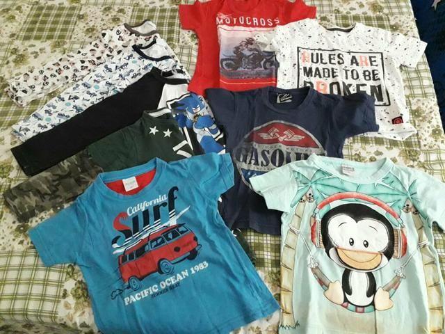 Lote de camisetas tamanho 2