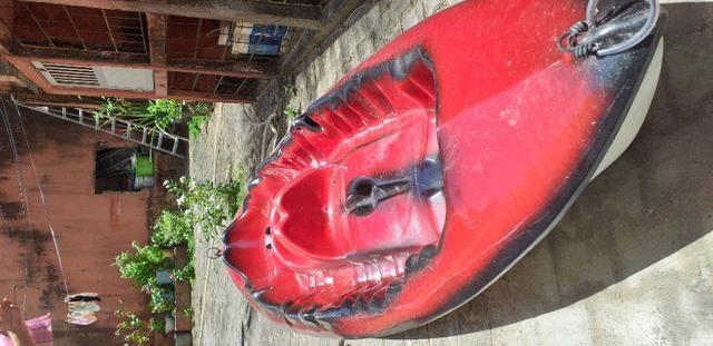 Caiaque duplo vermelho com um remo - Foto 6