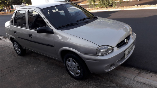 Corsa Sedan 2004 1.0
