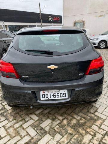 GM Onix Joy 1.0 8V 2019 - Apenas 40mil km - Foto 3