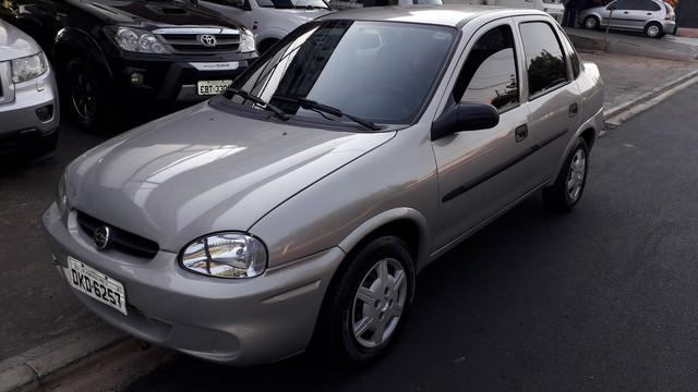 Corsa Sedan 2004 1.0 - Foto 2