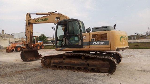 Escavadeira case cx220  * - Foto 2