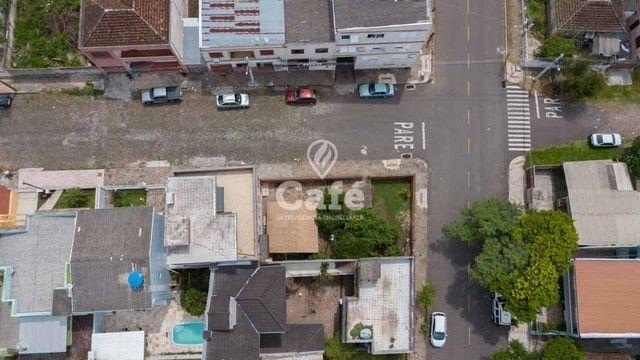 Prédio/Casa Residencial, 4 dormitórios, Bairro Menino Jesus, pátio - Foto 4