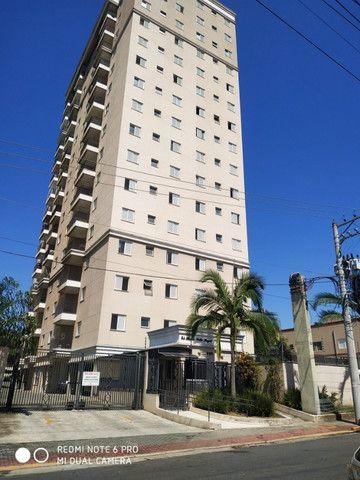 Alugo Apartamento 2 quartos (1 suite)