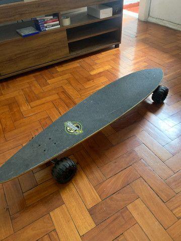 Long board Sector Nine com roda trator