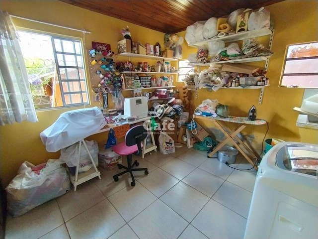 Sobrado, 5 dormitórios, 3 banheiros e sacada. - Foto 14