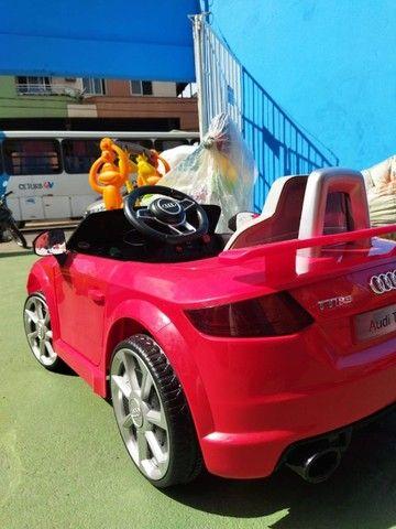Carrinho Elétrico Audi TT RS - Disponível nas cores Vermelho e Amarelo - Foto 3
