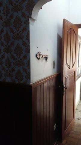 Bela casa - tem estrutura para sobrado - Foto 7