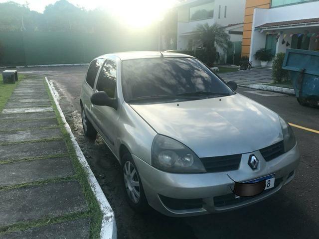 Clio - Foto 2