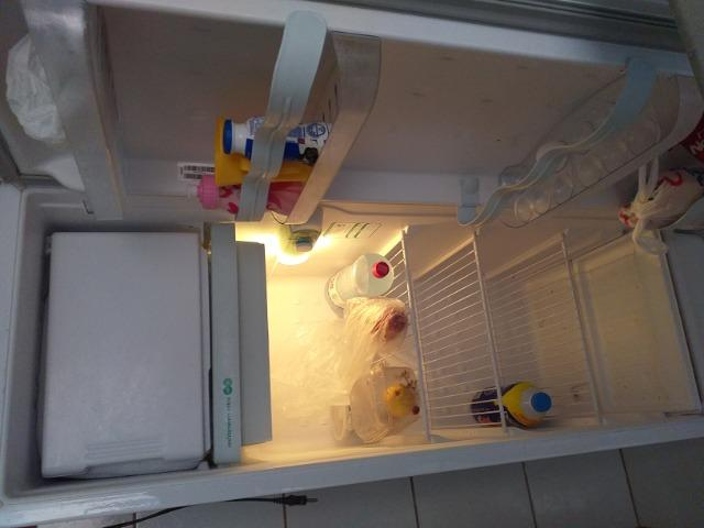 Vendo geladeira consul modelo crc - Foto 2