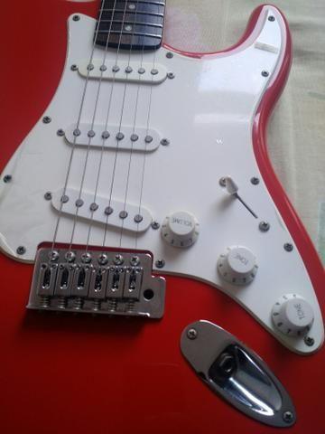 Guitarra Squier + Capa + Amplificador - Foto 5
