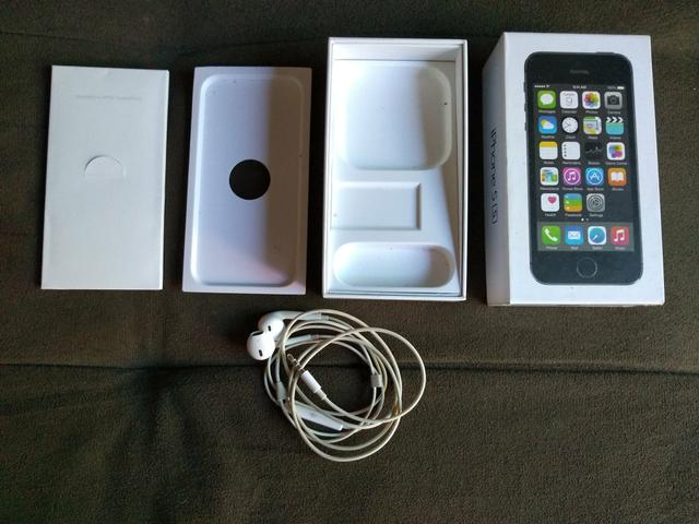 Caixa e Fones iPhone 5S
