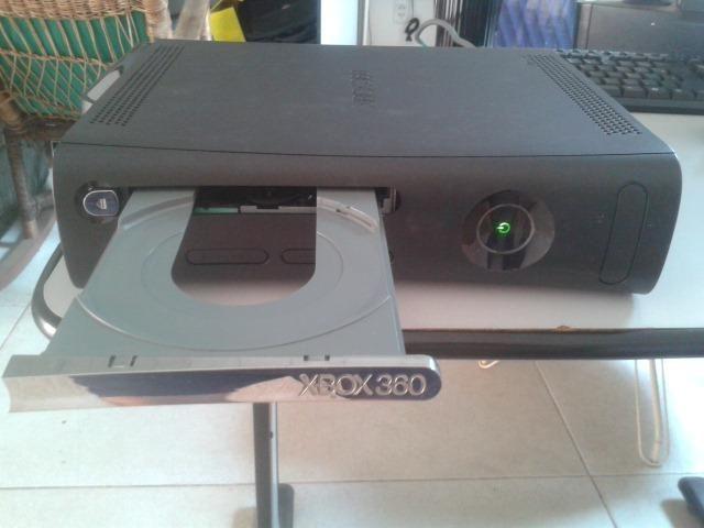 Xbox 360 Arcade 120GB com caixa original, destravado - Foto 2
