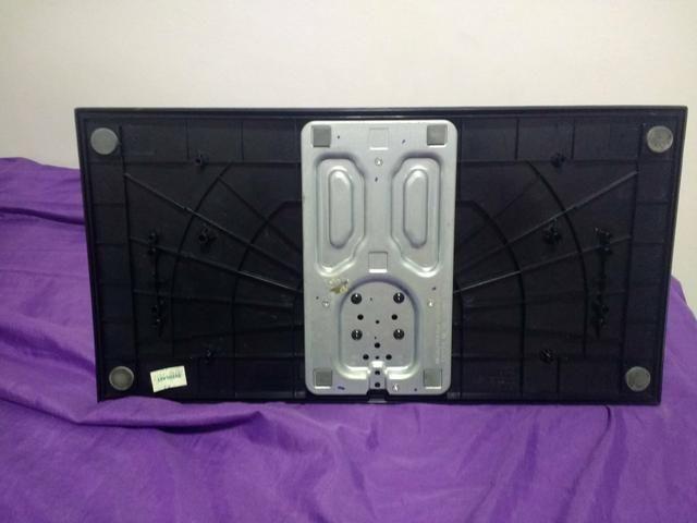 Pé base suporte tv LG 32lv5500 42lv5500 - Foto 3