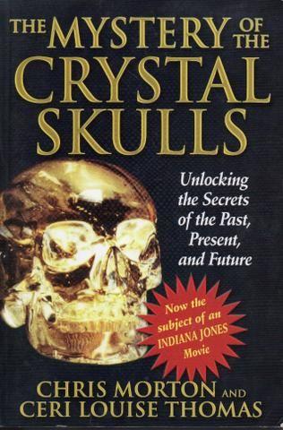 Livro - Mystery Of The Crystal Skulls, The - Chris Morton; Ceri Louise Thomas