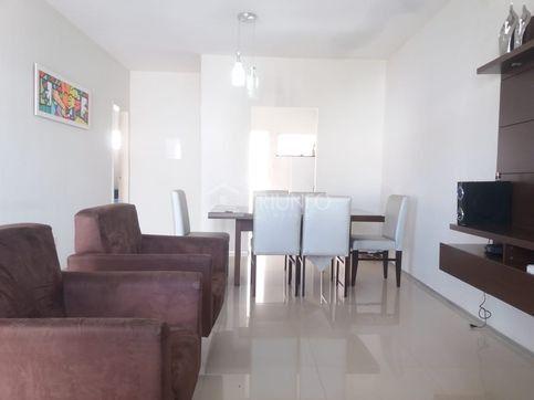 Casa em condomínio com 03 quartos (TR41701) MKT