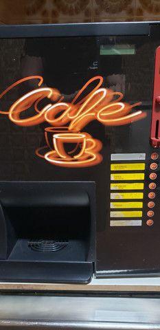 Maquina de cafe soluvel (usada)