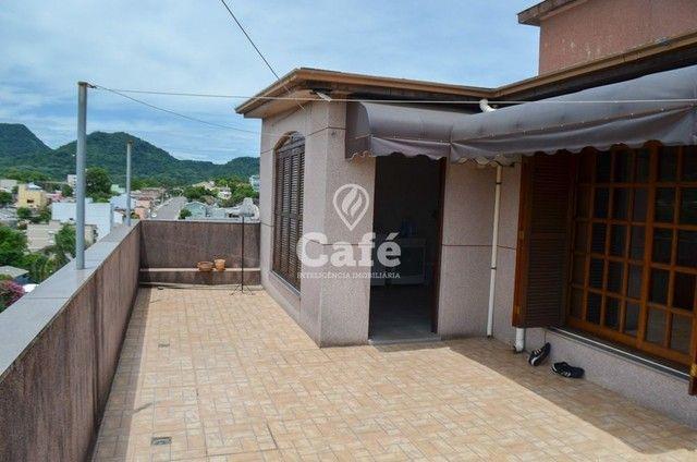 Prédio/Casa Residencial, 4 dormitórios, Bairro Menino Jesus, pátio - Foto 5
