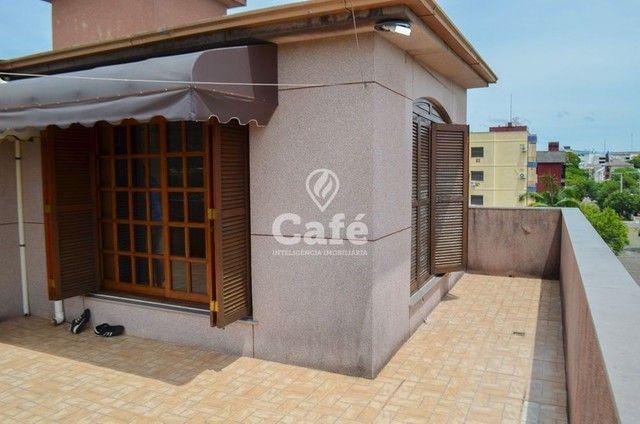 Prédio/Casa Residencial, 4 dormitórios, Bairro Menino Jesus, pátio - Foto 8