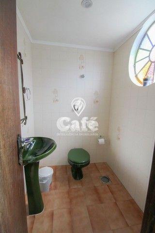Casa de esquina para Venda, Bairro Camobi, 4 dormitórios. - Foto 18