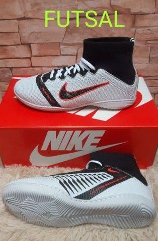 Chuteiras Nike top LANÇAMENTO ( TAXA DE ENTREGA 10RS  - Foto 5