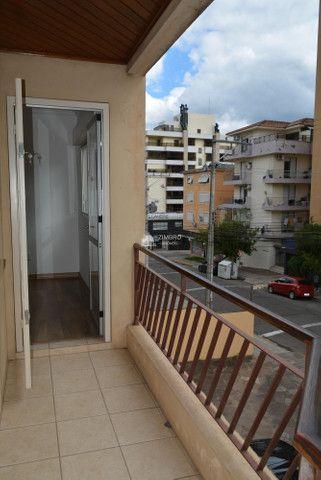 Apartamento 02 dormitórios para alugar em Santa Maria de frente com Sacada Garagem - ed Sa - Foto 14