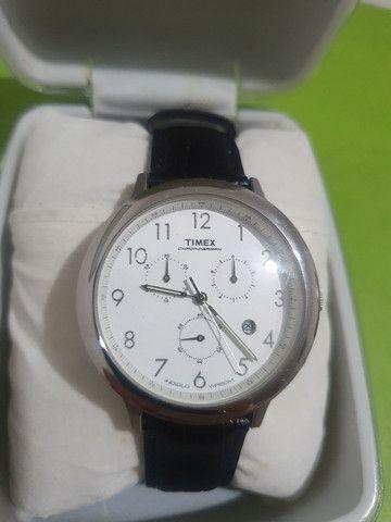 Relógio Timex com pulseira de couro de 35 mm <br><br> - Foto 4