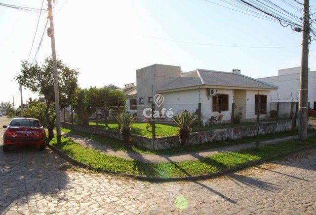 Casa à venda com 3 dormitórios 3 banheiros 2 vagas de garagem e amplo pátio. - Foto 5