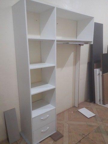 Mini closet em mdf branco com 2 gavetas