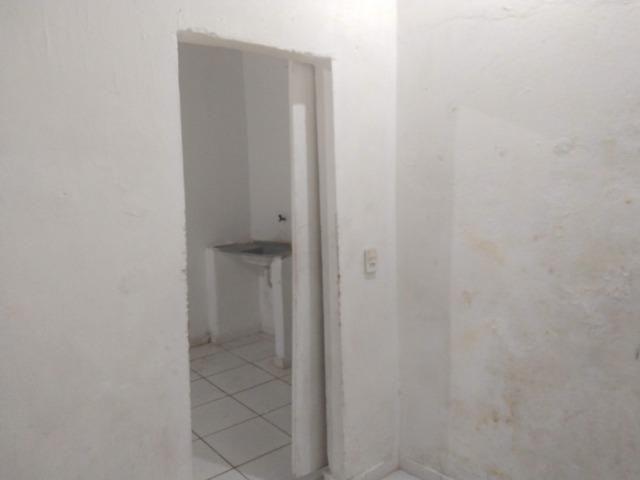 Aluga-se Uma casa no 27 de Novembro na UR02 Ibura - Foto 7