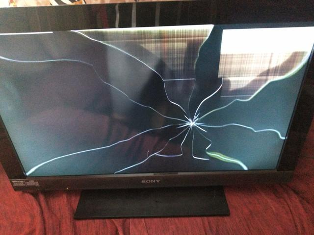 Tv Sony bravia quebrada