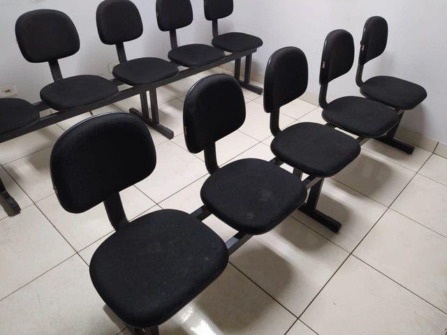Cadeiras longarinas usada 3, 4 e 5 lugares - Foto 2