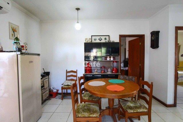 Casa à venda com 3 dormitórios 3 banheiros 2 vagas de garagem e amplo pátio. - Foto 9