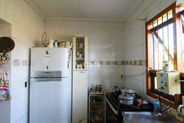 Casa à venda com 3 dormitórios 3 banheiros 2 vagas de garagem e amplo pátio. - Foto 8