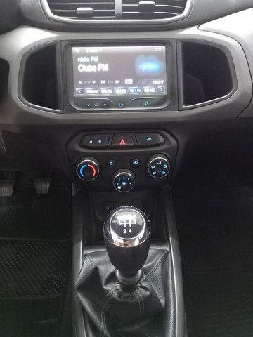 Onix lt 2015 com apenas 85 mil km - Foto 6