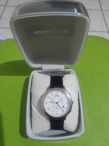 Relógio Timex com pulseira de couro de 35 mm <br><br> - Foto 5