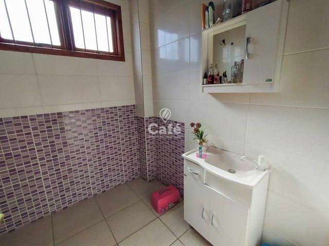 Sobrado, 5 dormitórios, 3 banheiros e sacada. - Foto 10