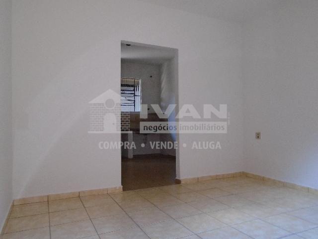 Casa para alugar com 2 dormitórios em Tibery, Uberlândia cod:594329 - Foto 10